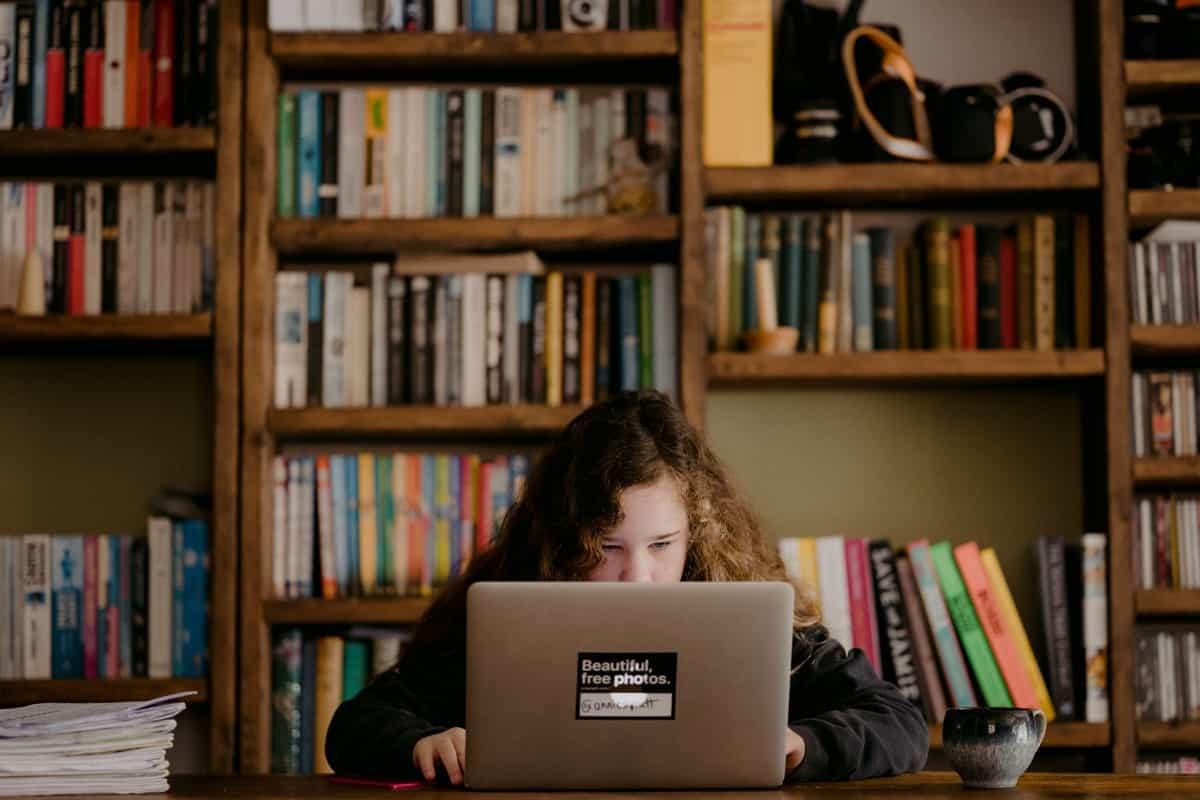 Lernen auf Distanz – wie können Eltern unterstützen?
